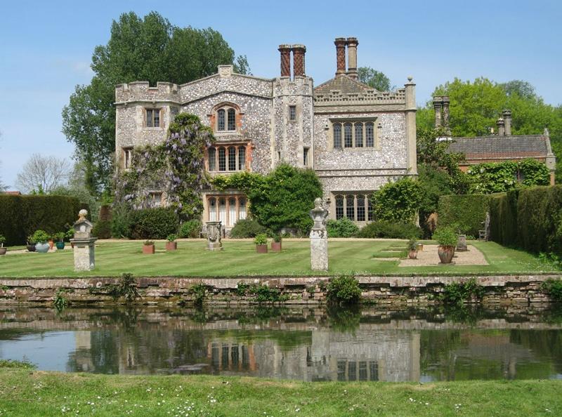 Mannington Estate gardens