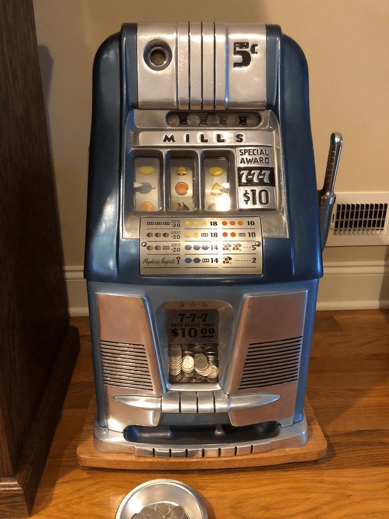 A Short History Of Slot Machines